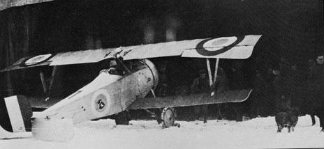 ca95cf2c8903 Nieuport 17 du Ltt Guillaume Busson de l escadrille N 48 pendant l hiver  1916-1917. Le coq est peint dans un cercle bleu très clair - Photo base  aérienne ...