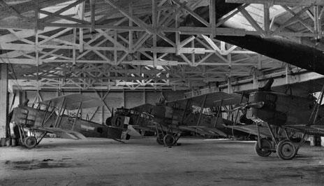 066_Breguet14B2_Hangar.jpg